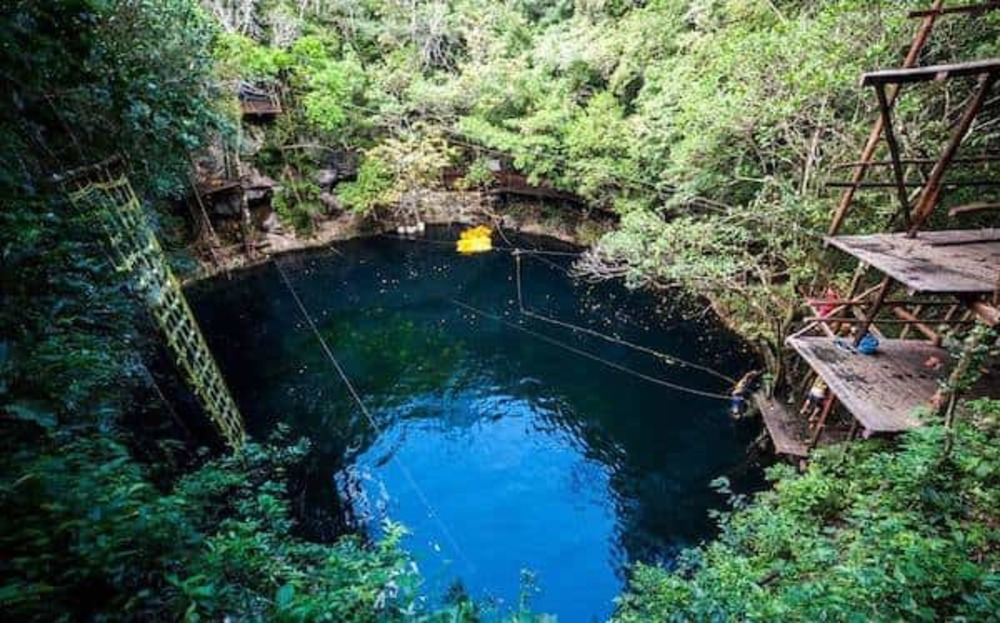 Cenote kin Ha