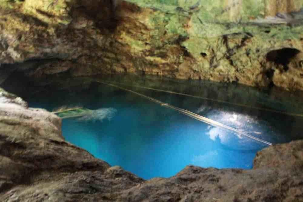 Cenote Yax-Ha